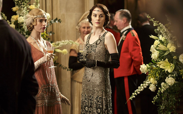 """Downton Abbey"", ""Outlander"", ""Reign"" and ""Vikings"": A Period TV Show Guide"